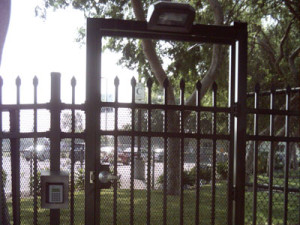 aluminum-fence-gate