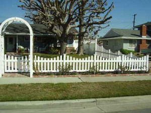 vinyl-picket-fence-panels